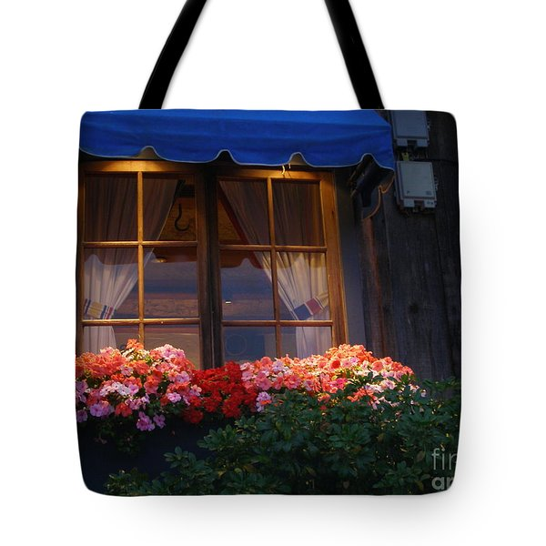 Tote Bag featuring the photograph Ristorante by Bev Conover