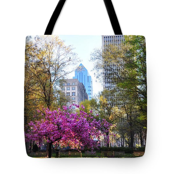 Rittenhouse Square In Springtime Tote Bag