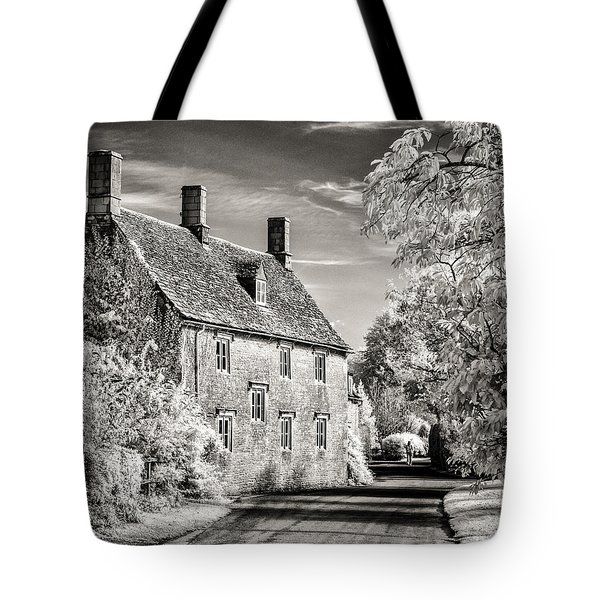 Road House Tote Bag by William Beuther
