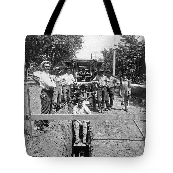 Road Workers In La Tote Bag