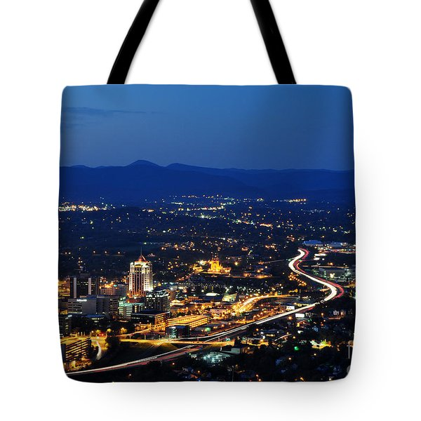 Roanoke City As Seen From Mill Mountain Star At Dusk In Virginia Tote Bag