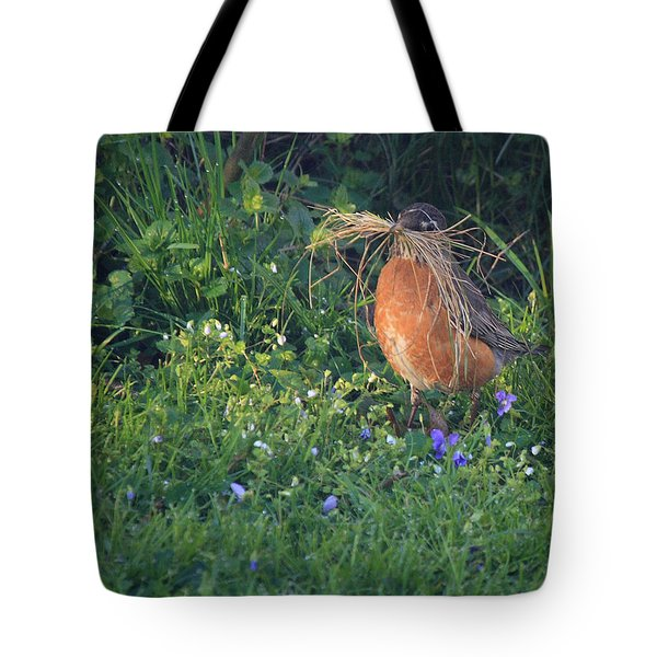 Robin Gathering For Nest Tote Bag