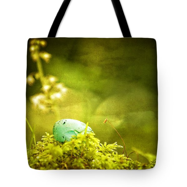 Tote Bag featuring the photograph Robin's Egg On Moss by Peggy Collins