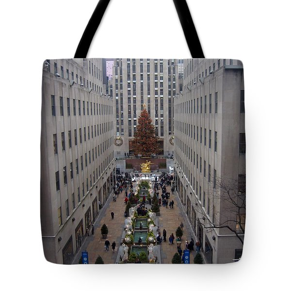 Tote Bag featuring the photograph Rockefeller Plaza At Christmas by Judith Morris