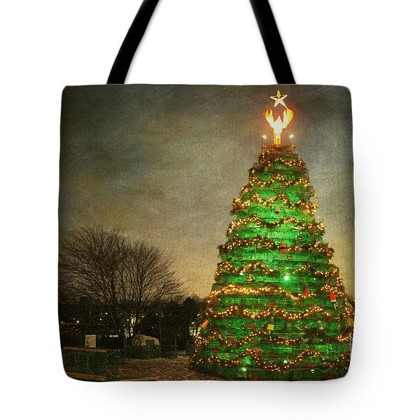 Rockland Lobster Trap Christmas Tree Tote Bag