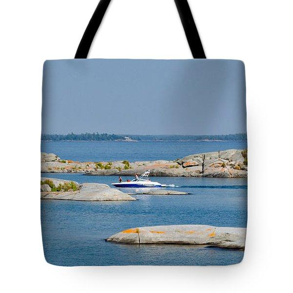 Rocky Islands On Georgian Bay Tote Bag by Les Palenik