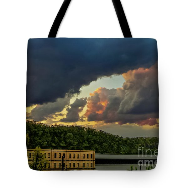 Storm Clouds Rolling In Tote Bag
