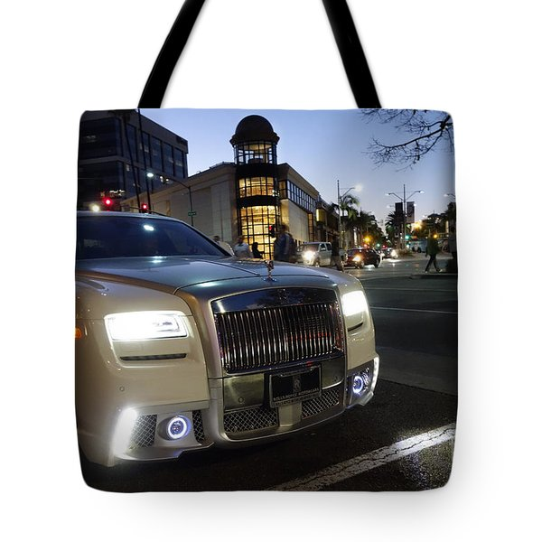 Rolls Royce Parked At The Bottom Of Rodeo Drive Tote Bag