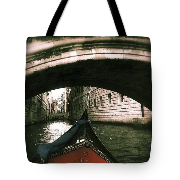 Romance Under The Bridge Tote Bag