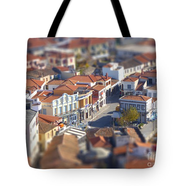 Tote Bag featuring the photograph Rooftops by Vicki Spindler
