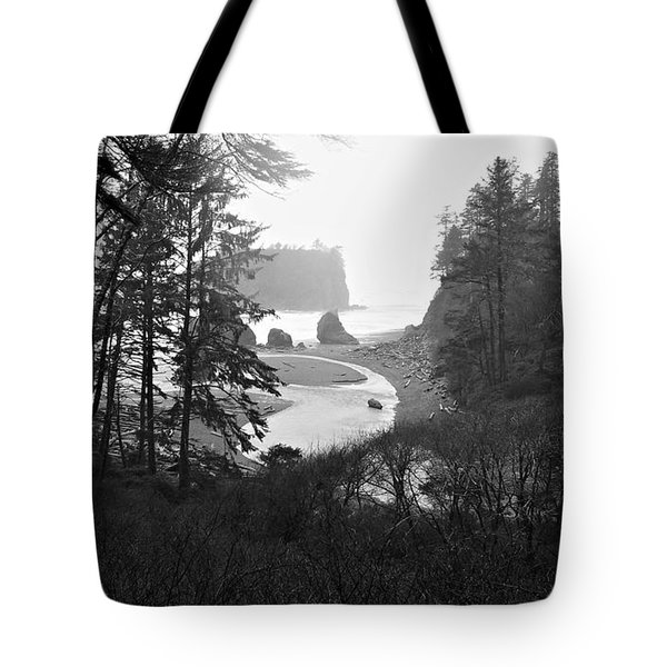 Ruby Beach In The Winter In Black And White Tote Bag by Jeanette C Landstrom
