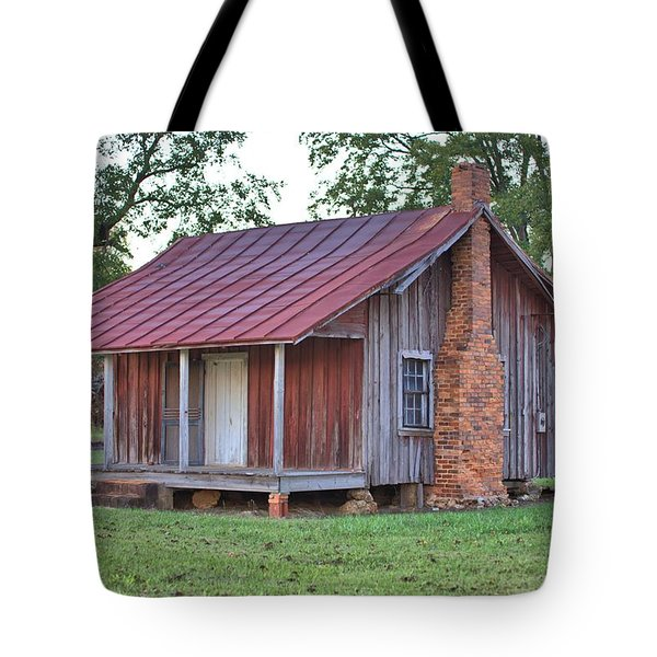 Tote Bag featuring the photograph Rural Georgia Cabin by Gordon Elwell