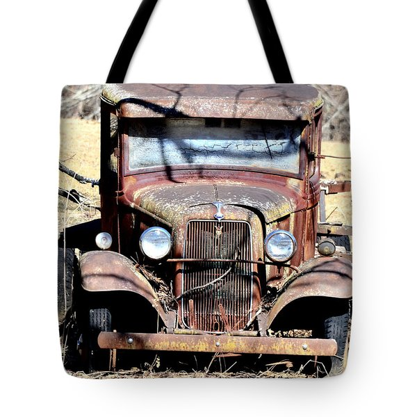 Tote Bag featuring the photograph Rusted Love by Cathy Shiflett