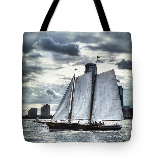 Sailing On The Hudson Tote Bag