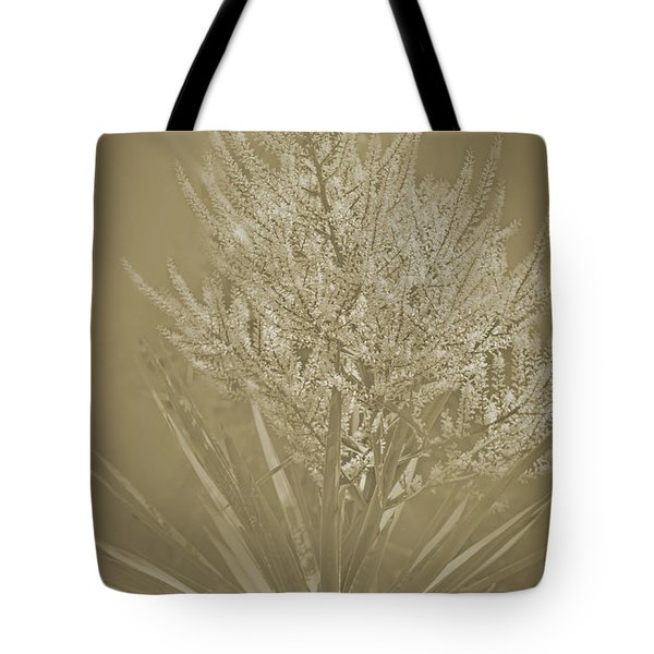 Tote Bag featuring the photograph Samantha by Elaine Teague