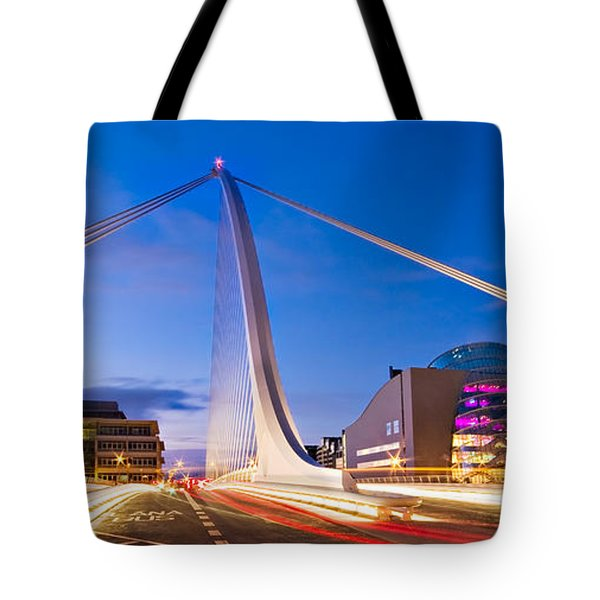 Samuel Beckett Bridge And National Conference Centre / Dublin Tote Bag