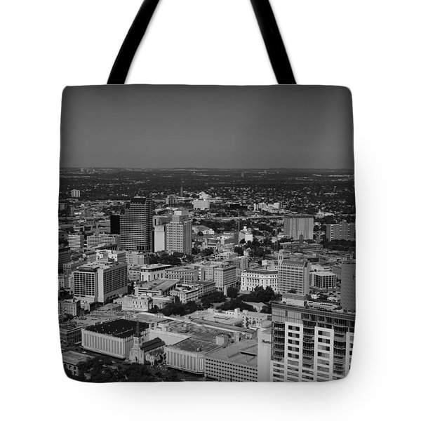 San Antonio - Bw Tote Bag by Beth Vincent