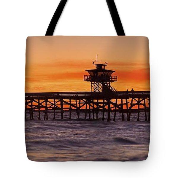 San Clemente Municipal Pier In Sunset Tote Bag by Richard Cummins