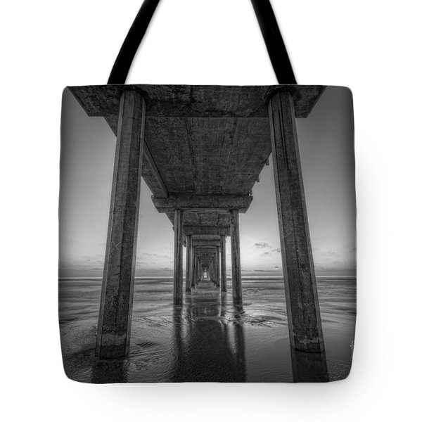 Scripps Pier Sunset Bw Tote Bag