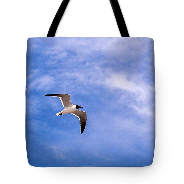 Tote Bag featuring the photograph Seagull by Sennie Pierson