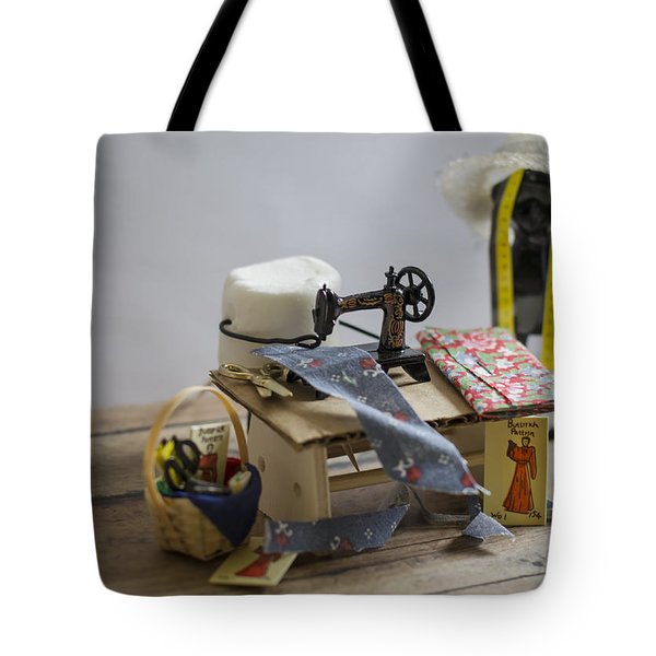 Sew Sweet Tote Bag by Heather Applegate