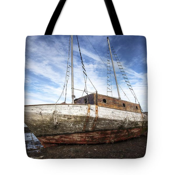 Shipwreck Tote Bag by Eric Gendron