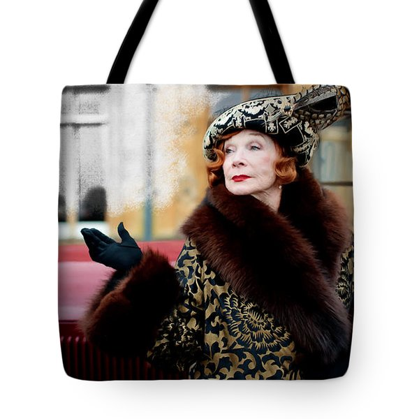 Shirley Maclaine @ Tv Serie Downton Abbey  Tote Bag