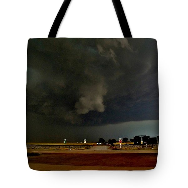 Tote Bag featuring the photograph Signs Of A Supercell by Ed Sweeney