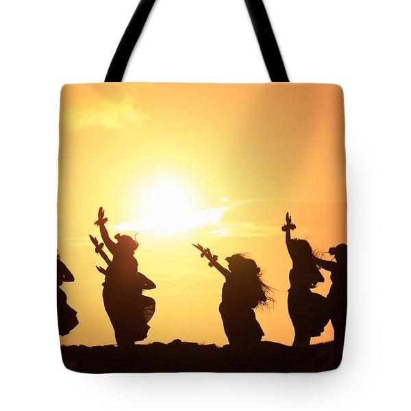 Silhouette Of Hula Dancers At Sunrise Tote Bag