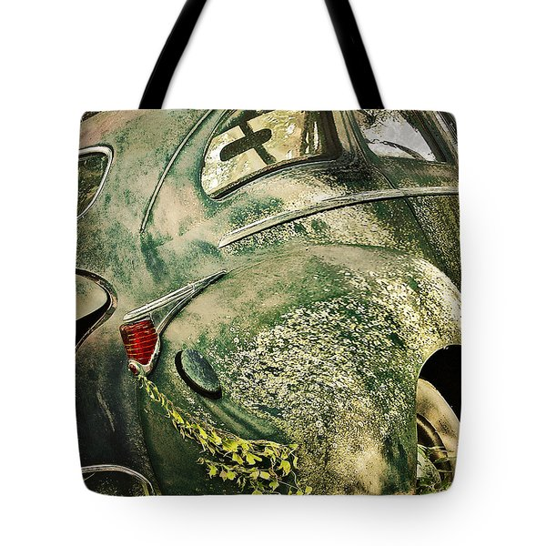 Slow Curves Tote Bag