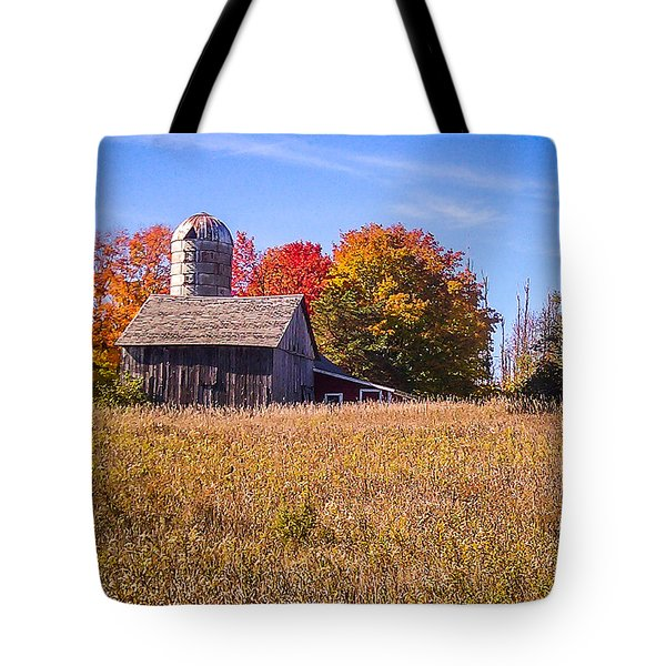 Sister Bay Barn Tote Bag