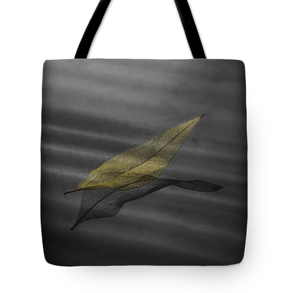 Skeleton Leaf 4524 Tote Bag