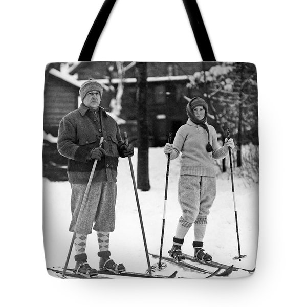 Skiing At Lake Placid In Ny Tote Bag by Underwood Archives