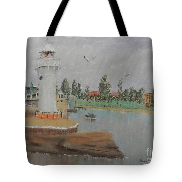 Small Lighthouse At Wollongong Harbour Tote Bag
