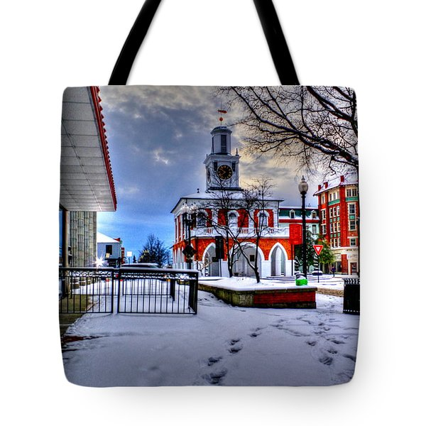 Historic 8 Tote Bag