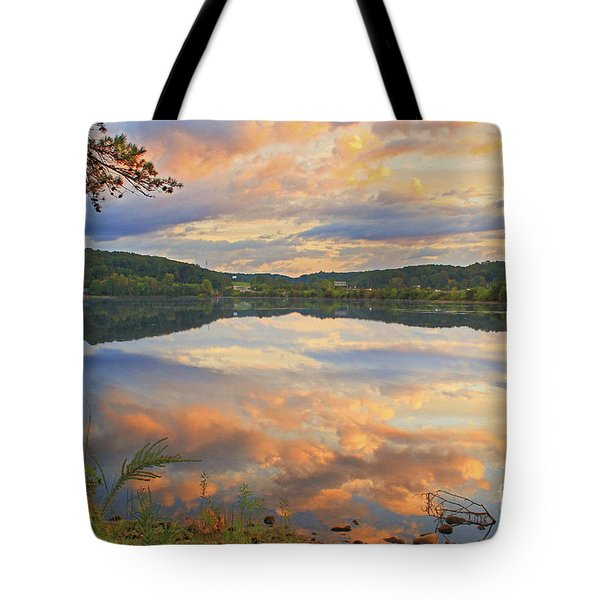 Tote Bag featuring the photograph Soddy Lake by Geraldine DeBoer