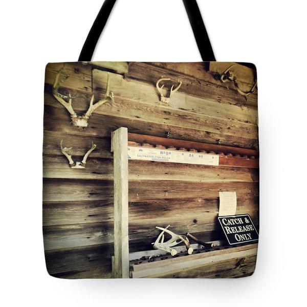 South Carolina Hunting Cabin Tote Bag