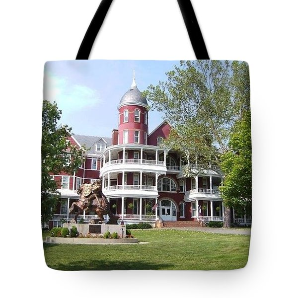 Tote Bag featuring the photograph Southern Virginia University by Cathy Shiflett