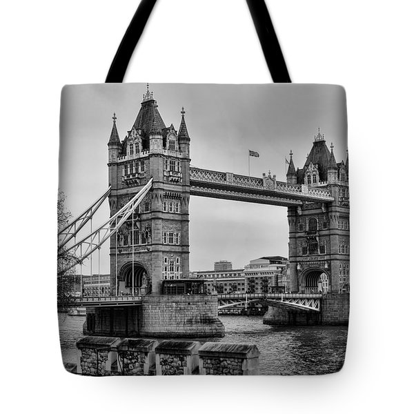 Spanning The Thames Tote Bag by Heather Applegate