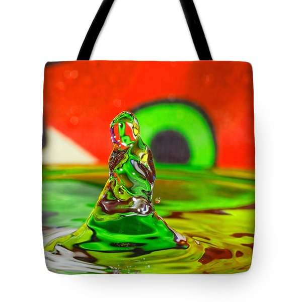 Tote Bag featuring the photograph Splas by Peter Lakomy