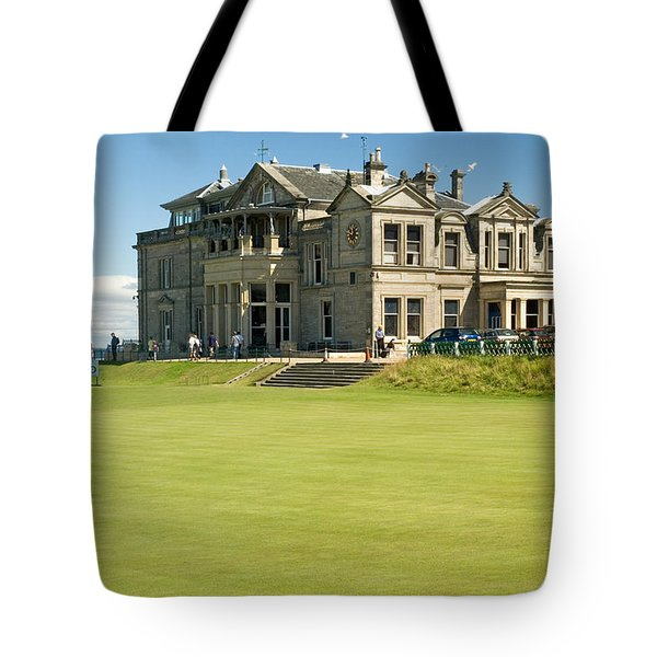 St Andrews Final Green And Clubhouse  Tote Bag