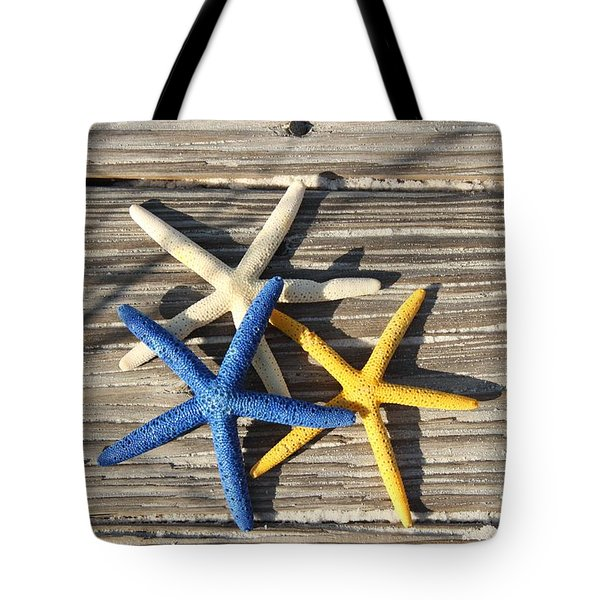 Tote Bag featuring the photograph Starfish by Elizabeth Budd