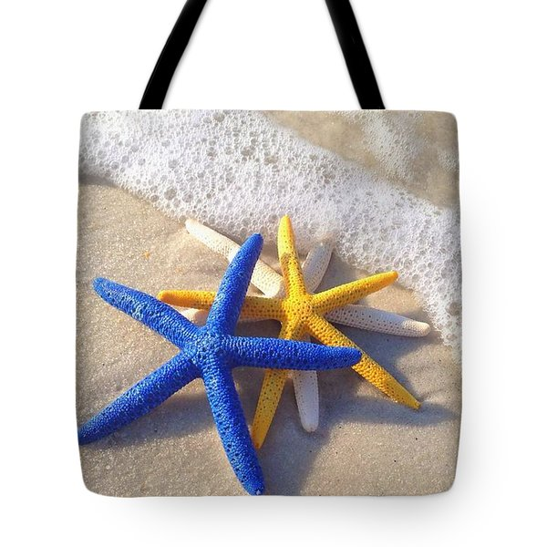 Tote Bag featuring the photograph Starfish In The Surf by Elizabeth Budd
