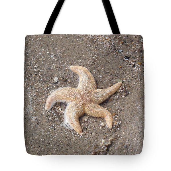 Tote Bag featuring the photograph Starfish by Tiffany Erdman