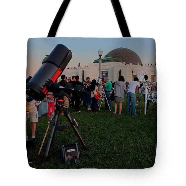 Stargazers At Dusk - Griffith Observatory Los Angeles California Tote Bag