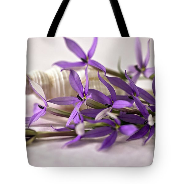 Starshine Laurentia Flowers And White Shell Tote Bag