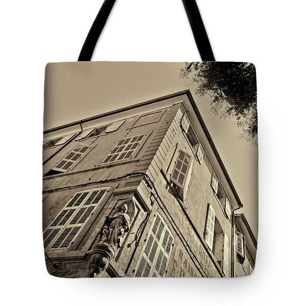 Statue In The Corner Tote Bag