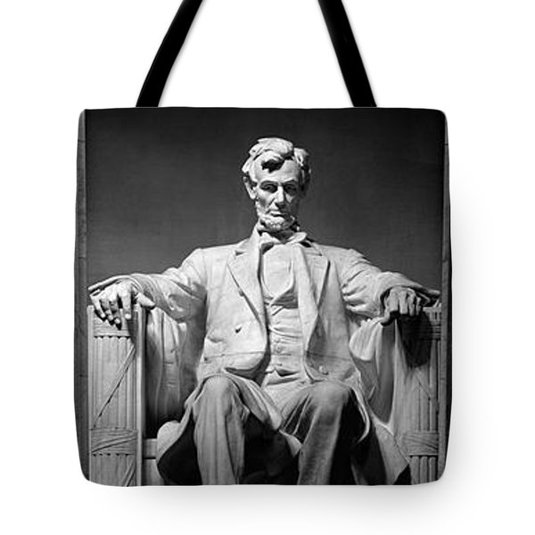 Statue Of Abraham Lincoln Tote Bag by Panoramic Images