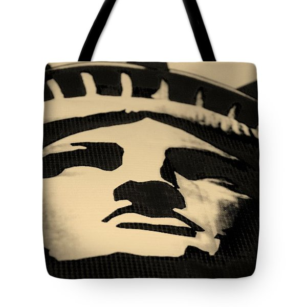 Statue Of Liberty In Dark Sepia Tote Bag by Rob Hans