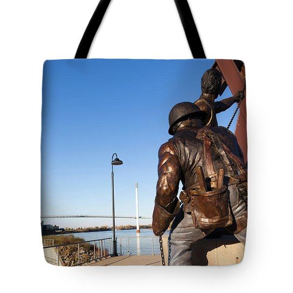 Statues And Bob Kerrey Pedestrian Tote Bag